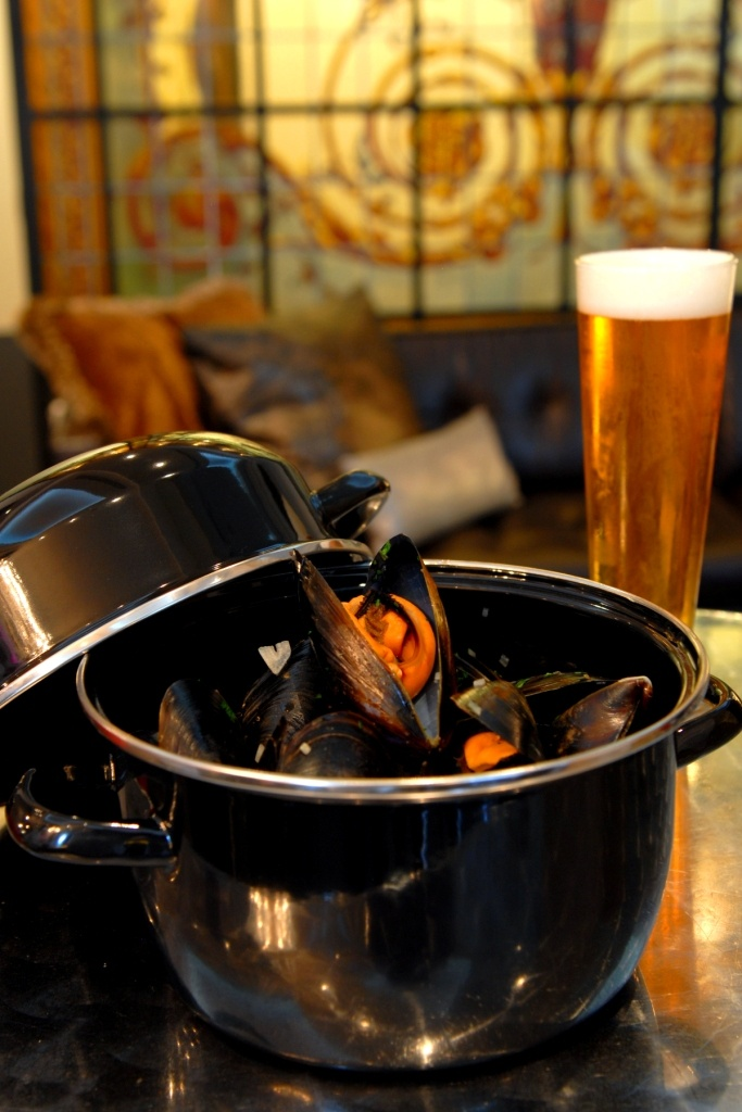 Boutique Beer & Mussels anyone?  www.emporiumhotel.com.au