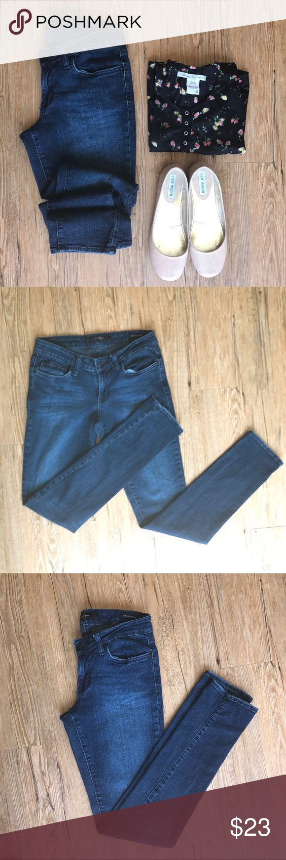 Jessica Simpson Forever Skinny Jeans. Jessica Simpson Super Skinny jeans in great condition. Inseam 31' Jessica Simpson Jeans Skinny