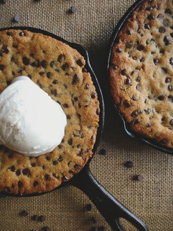 Deep dish Paleo Cookie