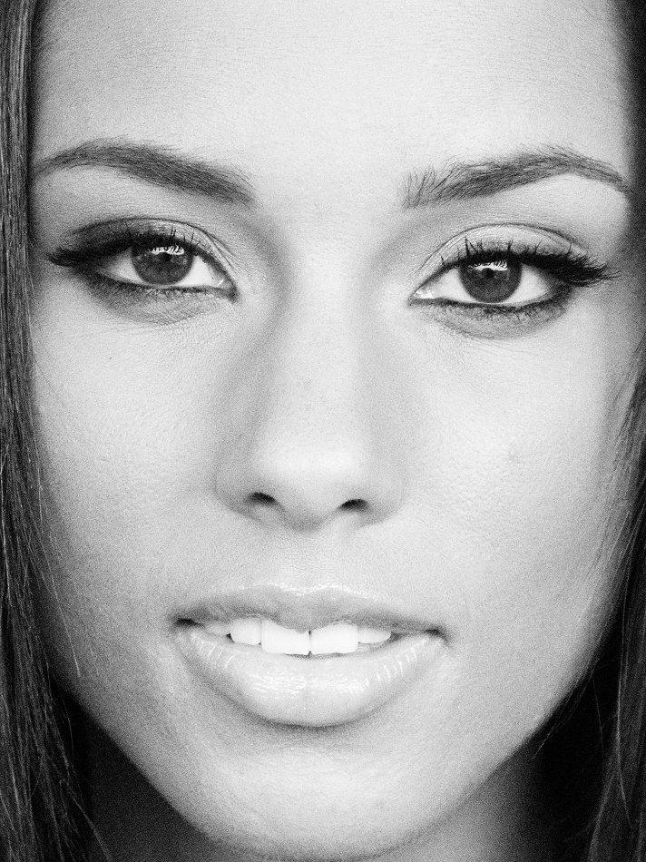 Alicia Keys | by Raphael Mazzucco