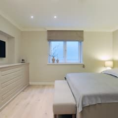 FERIENWOHNUNG SYLT: landhausstil Schlafzimmer von SALLIER WOHNEN HAMBURG