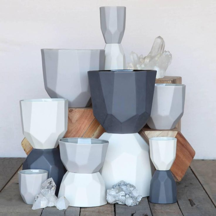 """As seen in our 2013 gift guide, these """"quartz"""" ceramic bowls from HomArt bring geometric design savvy to your table.