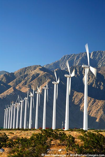 8- Best roadside attraction Windmill Pictures, Palm Springs, California #EsuranceDreamRoadTrip