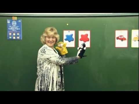 Using puppets and flashcards to get children talking