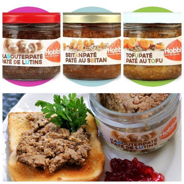 Trzej królowie - PASZTETY.  Jeden z grzybów, drugi z tofu, a trzeci z sejtanu. Wszystkie mają świetny, łagodny smak pieczeni, zrównoważonych przypraw i wyraźnie wyczuwalną, urozmaicona strukturę.  Pasztety są dostępne na www.pureveg.pl i polecają się na jesień.  #pate #weganskie pate #weganskiepasztety #weganskiedelikatesy #pureveg #grzyby #tofu #sejtan