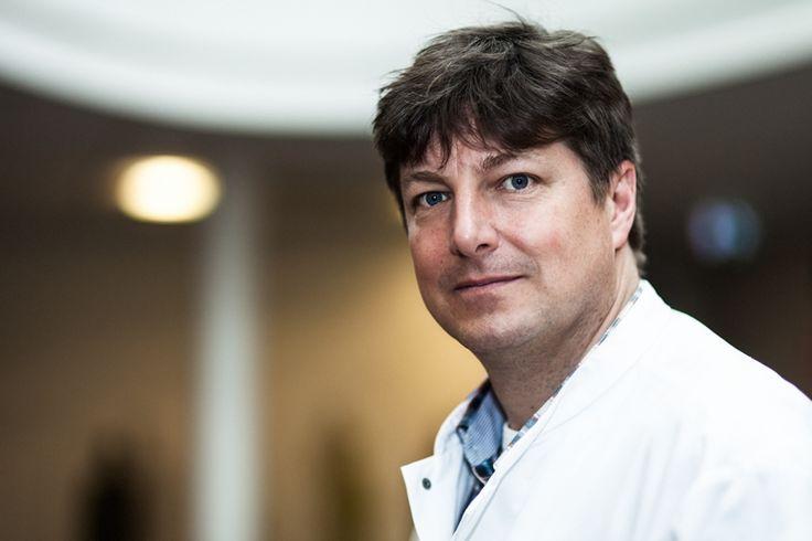 """""""We willen van longkanker een chronische ziekte maken."""" Lees hier het openhartige interview met longarts oncoloog dr. Jeroen Hiltermann uit het UMCG."""