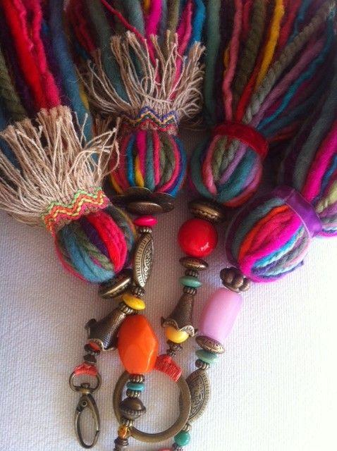 Handmade tassels via www.zzorraquin.com Más