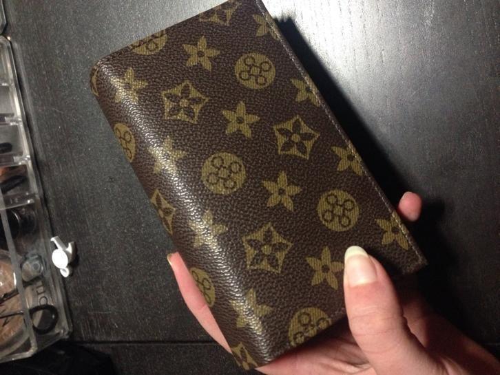 Leather Louis Vuitton womens wallet... #LouisVuitton