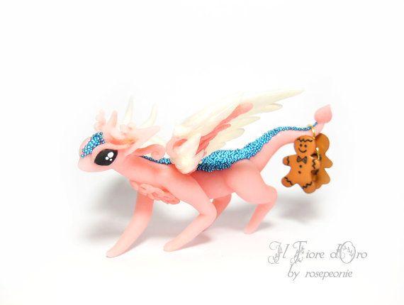 Drago Alabianca di Natale rosa. Scultura in di ilFioredOro su Etsy