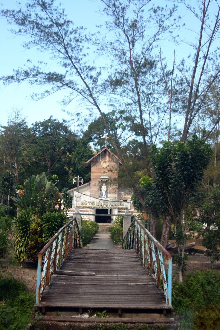 Gereja di Camp Vietnam, pulau Galang