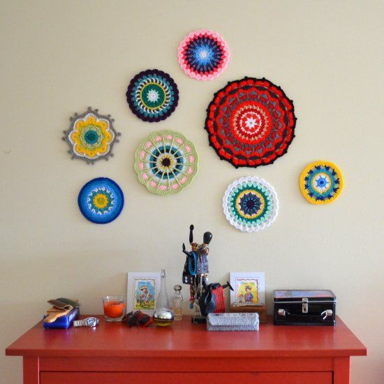 Tutorial: crochet unique wall art | I think these could be really cool. I would definitely use different colors though!