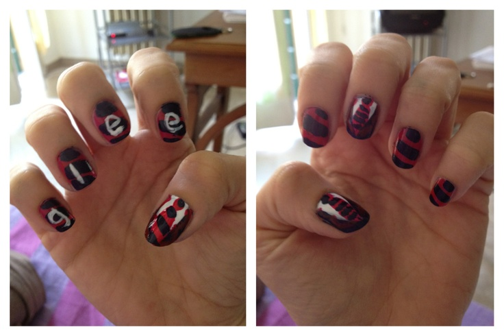 Glee warblers nail art (I think that is my best work of ever *^*)