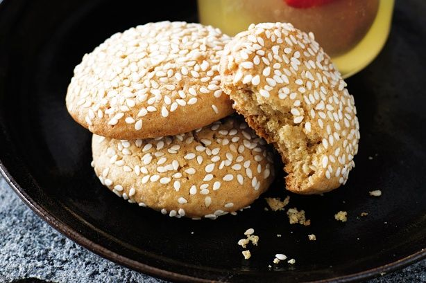 Ginger and sesame biscuits