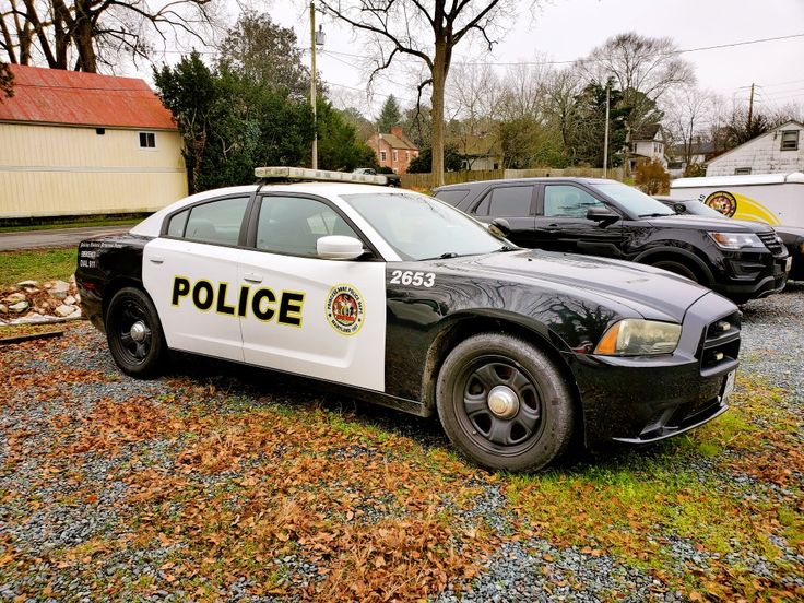 900 Law Enforcement Police Ideas In 2021 Police Law Enforcement Police Cars
