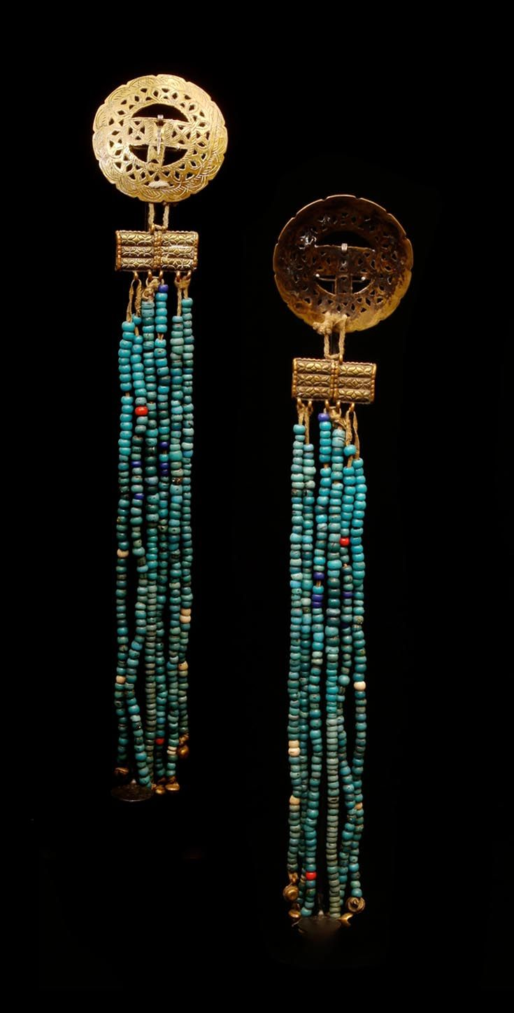 India - Ladakh | Belt / waist ornament ; brass, leather and antique glass beads