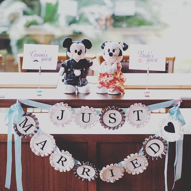 *Wedding レポ6❤* 受付には職場の皆さんに 頂いたミッキーとミニー @yui_melia.14 様にお願いした ロゼットガーランドを✨ #2016swd #2016春婚  #卒花 #卒花嫁 #福岡花嫁 #受付 #ミッキー #ミニー #ロゼットガーランド #luigans #ルイガンズ #ウェディングレポ #結婚式 #結婚式レポ