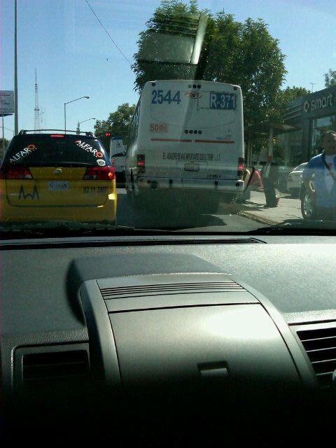 Camión descompuesto en López Mateos frente a Mercedes Minerva dirección Sur-Norte.  22/05/2012