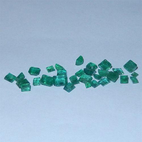 6.02 Karat kolumbianische Smaragde  Kolumbianische Smaragde vom Juwelierhaus Abt in Dortmund.  #smaragd #kolumbien #edelstein #juwelier #abt #dortmund