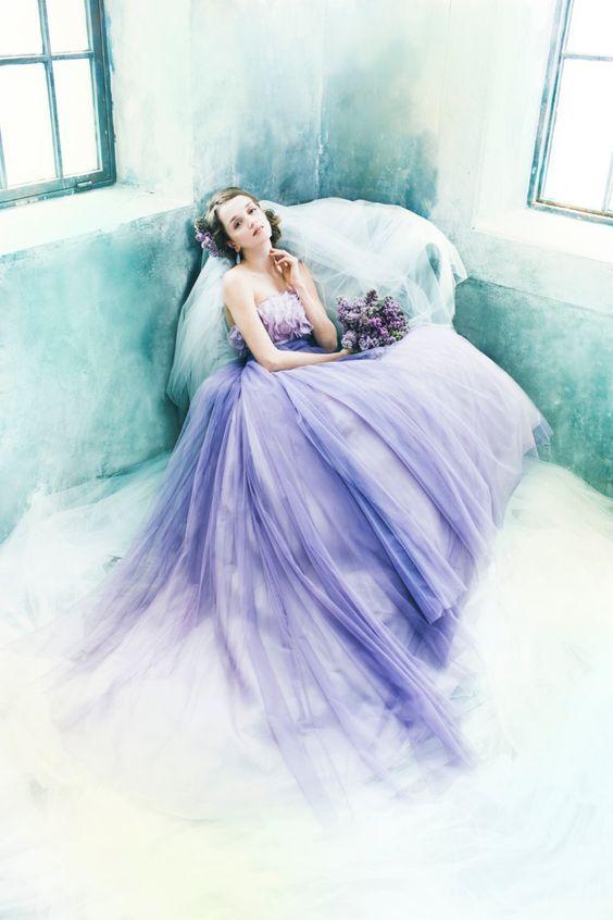 大人の魅力を漂わせたい♡秋・冬のウェディングのカラードレス参照一覧☆