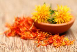 Although you can include safflower oil -- in moderation -- in your diet and successfully shed pounds, consuming safflower oil regularly isn't a guarantee you'll lose weight. But safflower oil can provide you with some health benefits during your weight-loss journey and may affect your body fat. Reducing your overall calorie intake and...