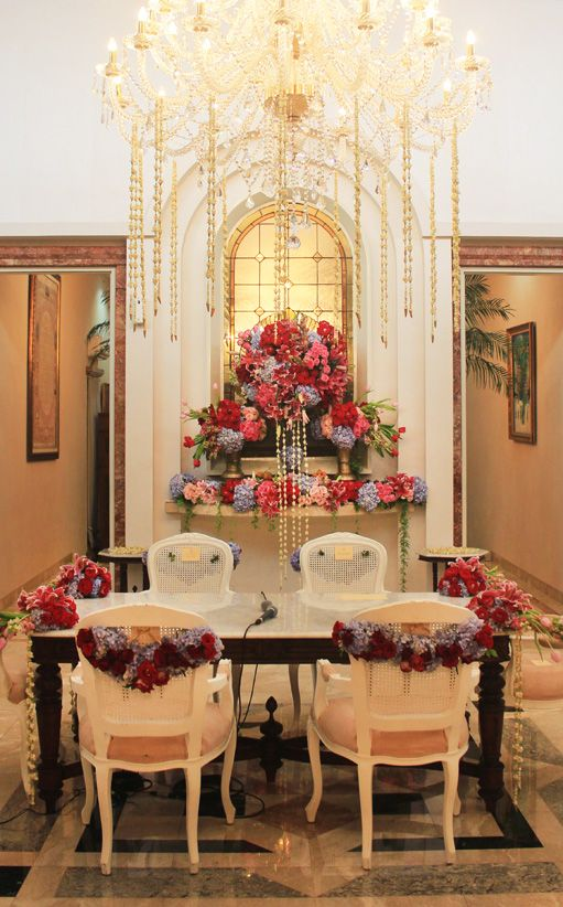 #akadnikah #chandelier #melati #mawarprada #mawarprada #warm #dekorasi #pernikahan #minimalis #elegance #modern #pelaminan #wedding #decoration #jakarta more info: T.0817 015 0406 E. info@mawarprada.com www.mawarprada.com