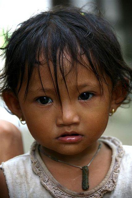 Young girl, Cambodia | © Eric Lafforgue  www.ericlafforgue.com