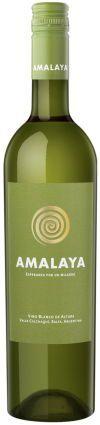 Amalaya Blanco 2014 946101 Best.utv Kr. 139,90.- Terningkast: 6 Poeng 83 Land/region: Argentina, Salta Donald Hess, en sveitsisk kunstsamler og vinentusiast, er mannen bak denne vingården. I dag fremstiller gården fremragende hvitviner. Denne utgaven er basert på druene Torrontés 90% og Riesling 10%. Aromatisk hvitvin som dufter av lime, grapefrukt og hint av blomster. Oppleves frisk og syrlig i munnen. Tørr sitruspreget avslutning. Anbefalt serveringstemperatur 8 til 10 grader. Smaker godt…