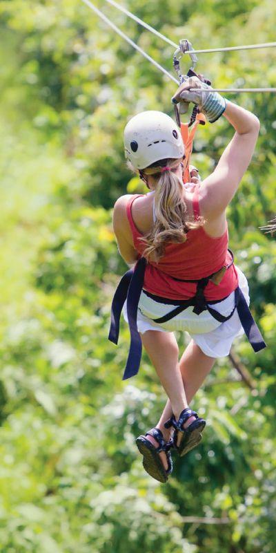 """Gi bort en utfordring! Opplevelsen Zipline i Åre passer for dem som ønsker seg et adrenalinkick. Her får man nemlig teste seg i """"den sorte banen"""" med 4 ulike strekninger, den lengste er på 350 meter. Gavekort på en tøff opplevelse!"""