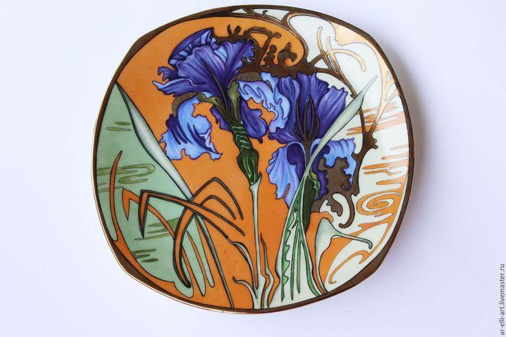 """Купить Фарфоровая тарелка """"Ирисы"""" - комбинированный, фарфоровая тарелка, фарфоровый подарок, декоративная тарелка"""