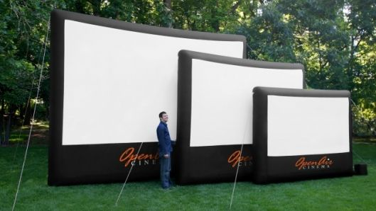 Inflatable Movie Screens turn a backyard into a Home Theater