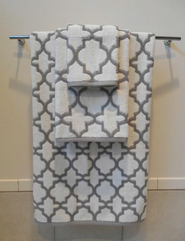 cynthia rowley white gray quatrefoil 3pc towel set 1 ea bath hand wash cloth cynthia. Black Bedroom Furniture Sets. Home Design Ideas