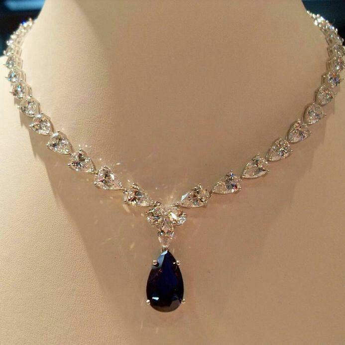 Is This Your Dream Necklace Omg Simple Elegant Diamond Blue Sapphire Necklace Dubai Jewelr Fashion Necklace Blue Sapphire Necklace Beautiful Necklaces