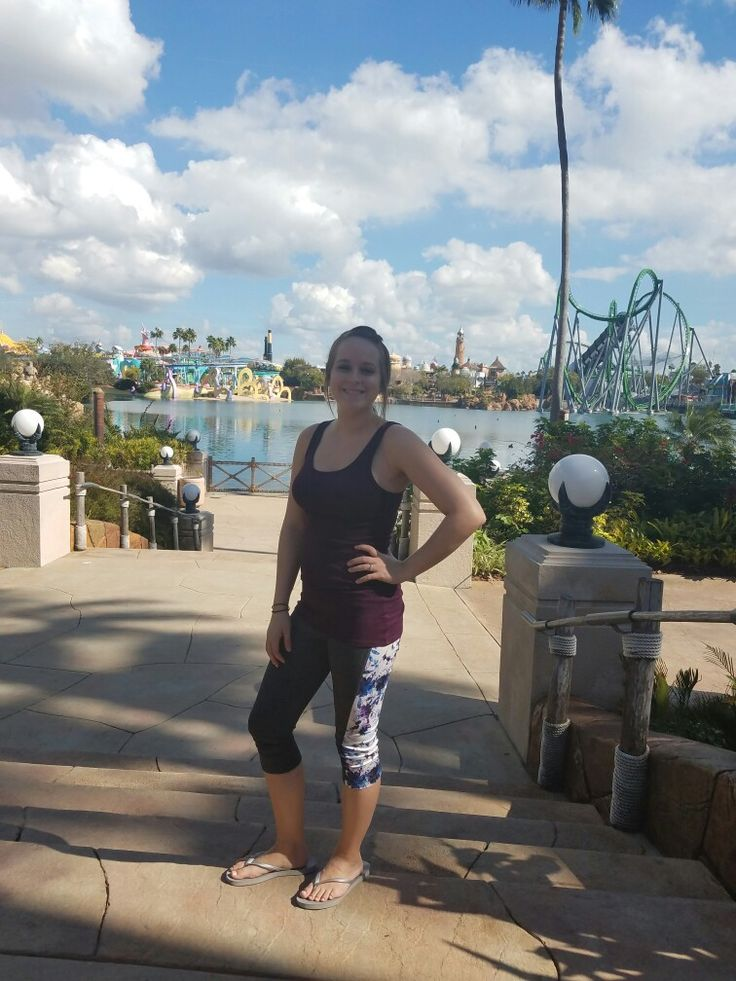 LuLaRoe Jade Workout Capri's are the BEST! So cute and comfy! Check them out at: Facebook.com/groups/LularoeAshleeDavis
