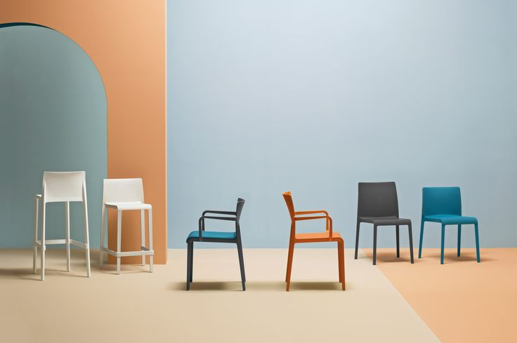 Volt HB - The thin sections, the attention to details and the production technology have made Volt collection a reference of the polypropylene seatings. The chair with high backrests is even more elegant and comfortable.