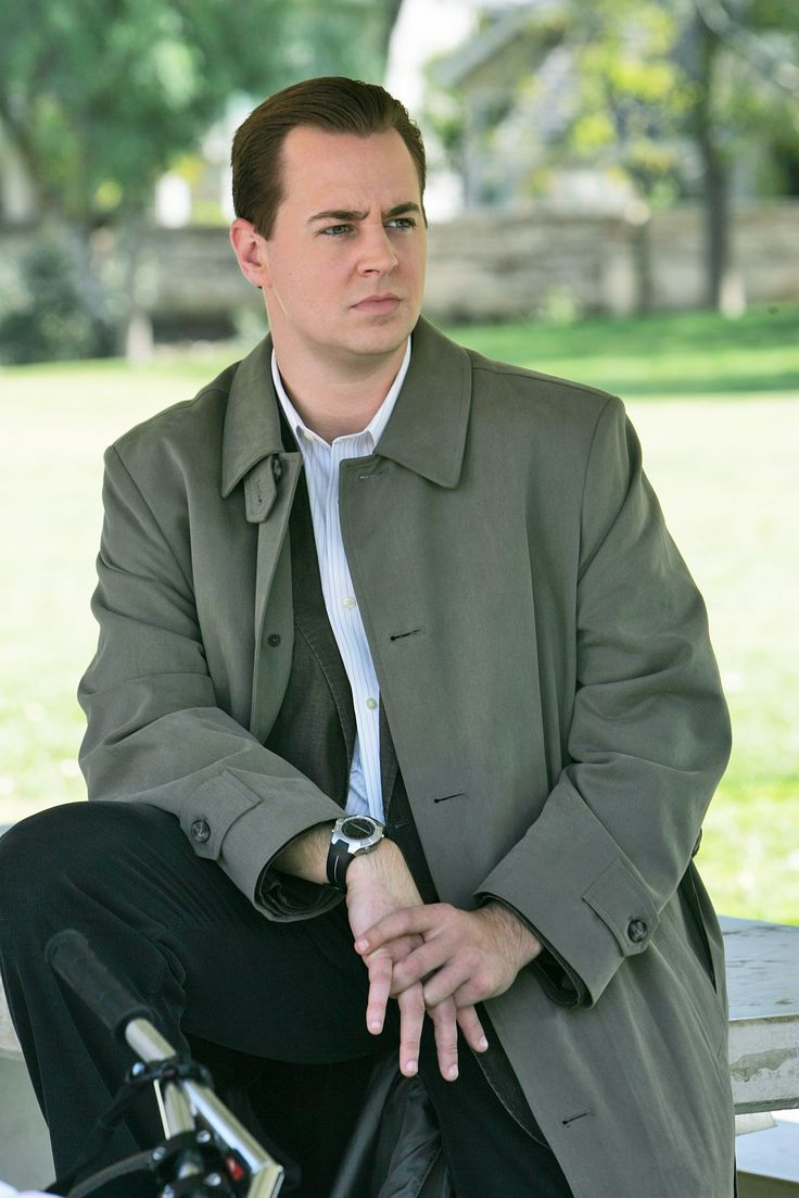 "NCIS - Timothy McGee portrayed by Sean Murray - Season 6 Episode 19 - ""Hide & Seek"""