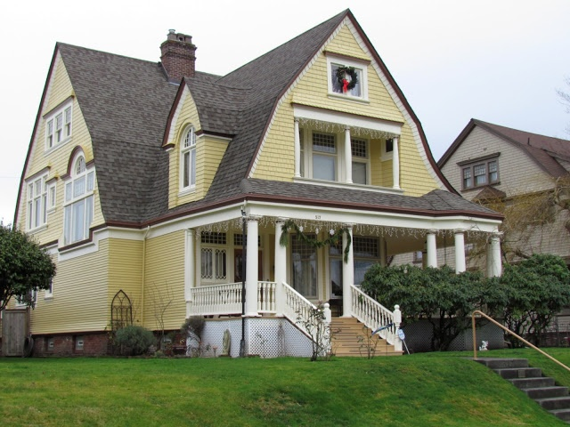 1000 images about dutch colonial on pinterest dutch for Dutch colonial house for sale