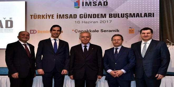 """Türkiye İMSAD Gündem Buluşmaları'nda gayrimenkul ve inşaat sektörünün geleceği konuşuldu. Türkiye İMSAD Yönetim Kurulu Başkanı Ferdi Erdoğan:""""Hem Katar hem diğer Arap ülkeleri ile yoğun ticari ilişkilerimiz var"""" Türkiye İnşaat Malzemesi Sanayicileri Derneği (Türkiye İMSAD) tarafından düzenlenen 2017 yılının ikinci 'Gündem Buluşmaları'nda, gayrimenkul, inşaat ve inşaat malzemesi sektörleri açısından yılın ilk yarısının nasıl geçtiği ve ikinci ..."""