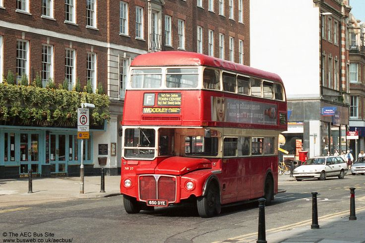 Former London RM 1650 (650 DYE) with Reading Buses, May 1999.