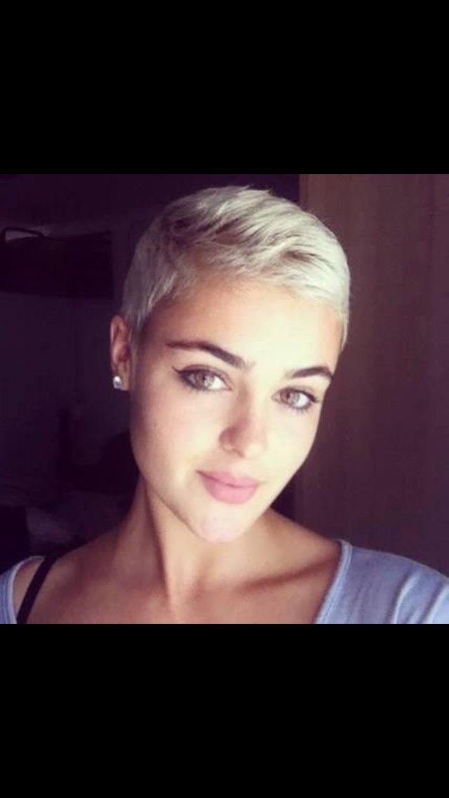 Stefania Ferrario - elegant with super short hair