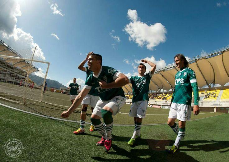 La celebración de Matias Donoso en el triunfo de Wanderers 3a1 ante La Calera en el Lucio Fariña