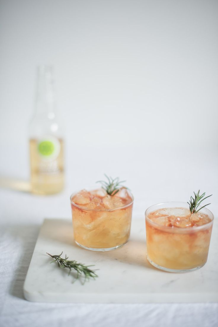 sparkling apple + whiskey holiday cocktail