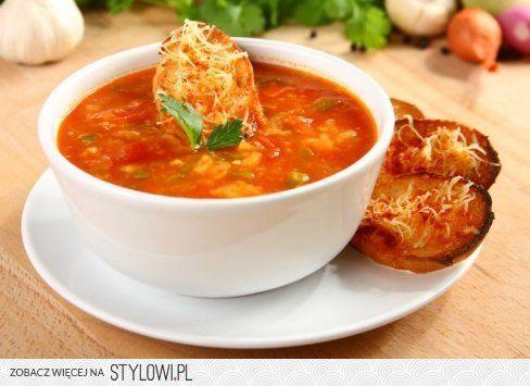 Hiszpańska zupa pomidorowa z czosnkowymi grzankami    c…