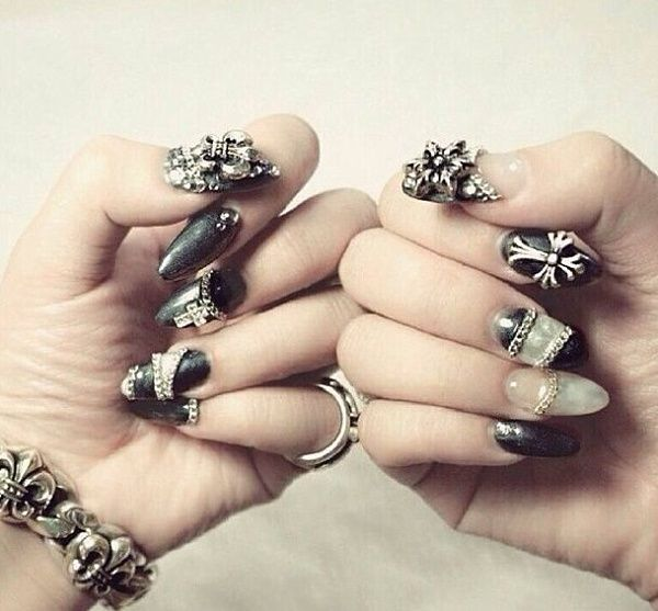 DIY Manicure mit Chrome Hearts