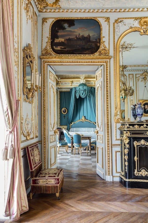 A Grand Reopening French Style Interior Chateaux Interiors My
