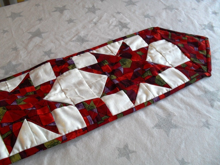 1047 best Christmas Runners images on Pinterest | Centerpieces ... : christmas quilting patterns table runners - Adamdwight.com