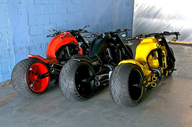 No Limit Customs | V-ROD - the choices!   I could handle this