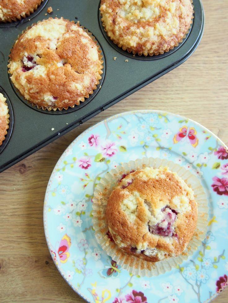 Raspberry cardamom muffins drsugars.blogspot.fi