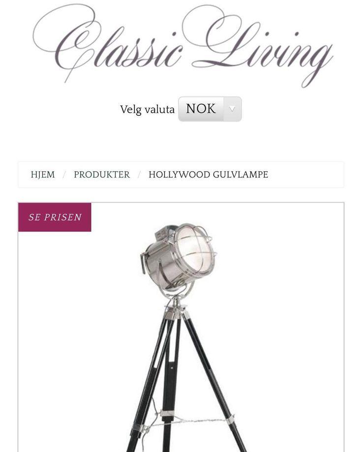 "Hollywood ""Studiolampe""  fra @classicliving  Mål: Høyde: 130 cm Bredde: 308 cm Dybde: 51cm  Se mer på www.classicliving.no"