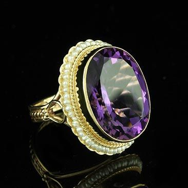 Victorian Oval Amethyst Ring 14K Yellow Gold with Seed Pearls