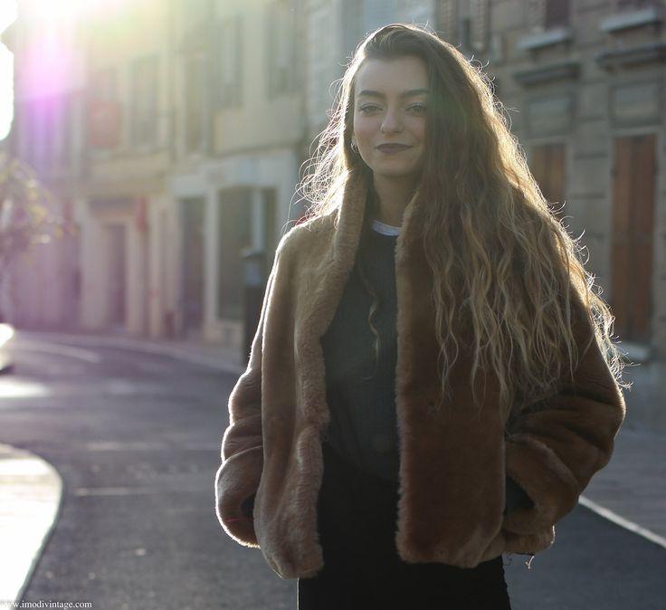 Manteau femme vintage en fourrure fin années 60 - Fur label authority de la boutique Imodivintage sur Etsy